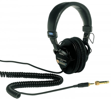 2. Sony MDR7506 Professional Large Diaphragm Headphone