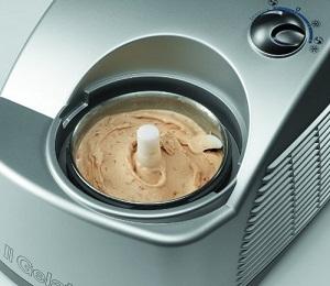 how much does a frozen yogurt machine cost